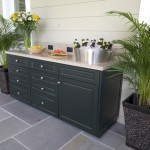 Outdoor Kitchen Cabinets Made with King StarBoard® ST Evergreen
