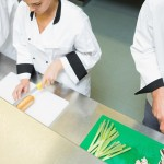 chefs-using-cutting-boards
